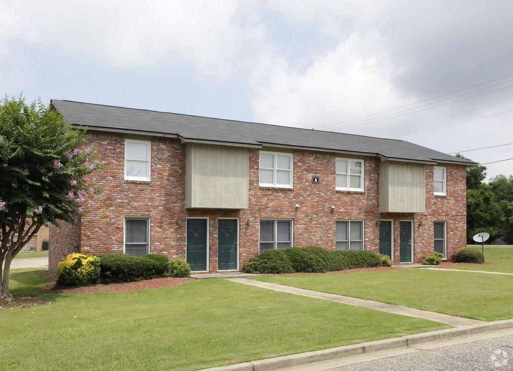 2406 Tillery Ln, Phenix City, AL 36867