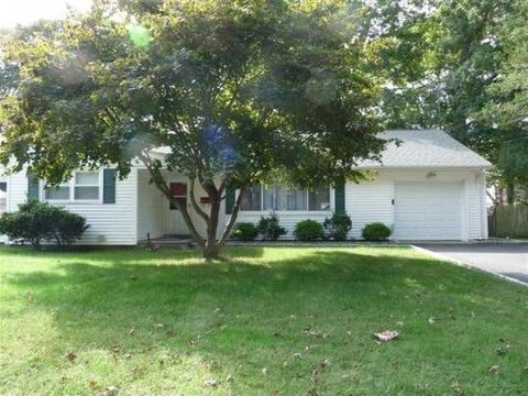 21 Waller Rd, Bridgeport, CT 06606. House For Rent