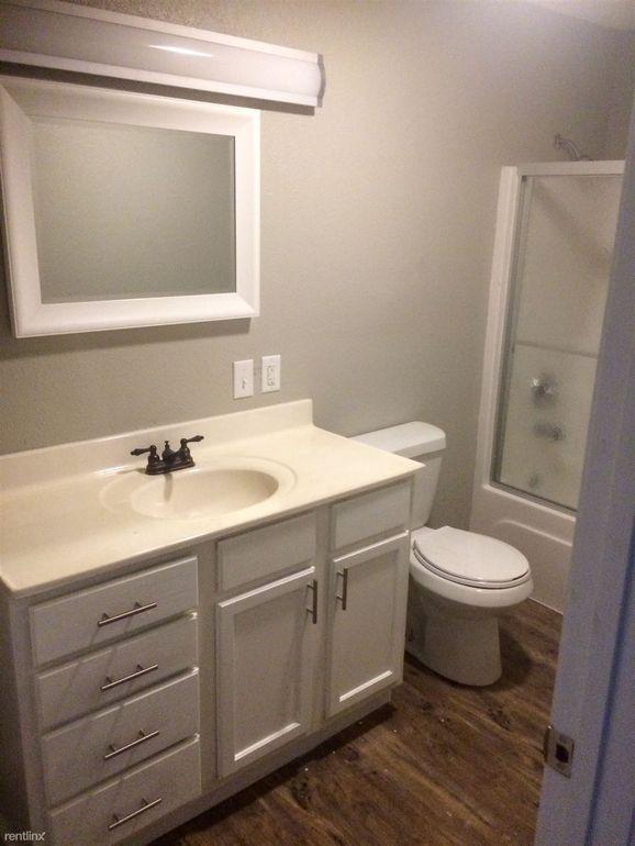 Bathroom Remodeling Jonesboro Ar 600 n caraway rd, jonesboro, ar 72401 - realtor®