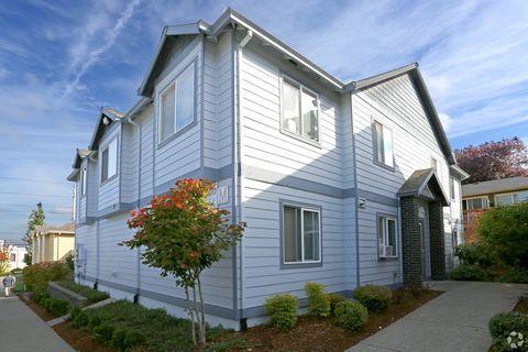 Photo of 17366 Ne Halsey St, Portland, OR 97230