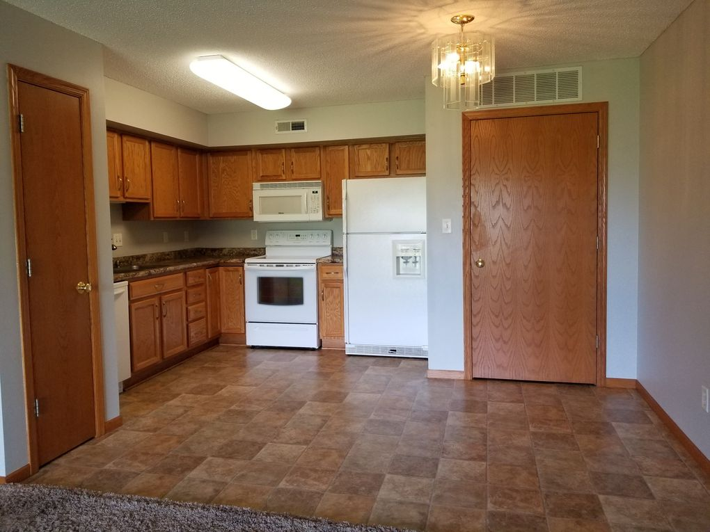 4710 Chadwick Rd Unit 8, Cedar Falls, IA 50613