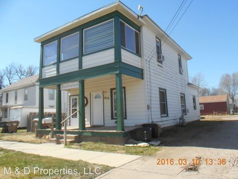 411 N Clay St, Hoisington, KS 67544