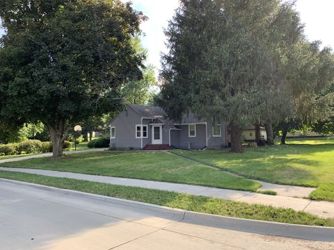 Photo of 505 S 8th St, Carlisle, IA 50047