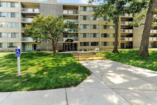 Willowbrook Apartment Homes