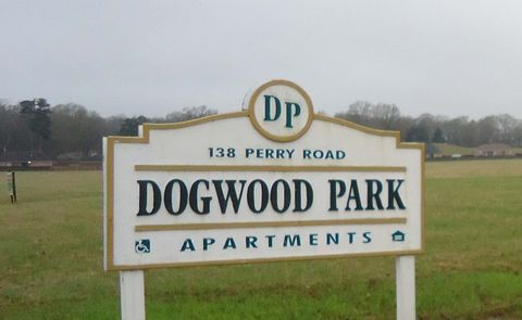 138 Perry Rd, Grenada, MS 38901