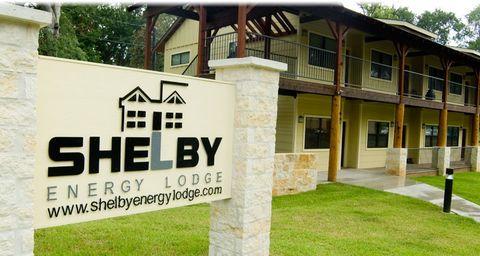 365 Shelbyville St, Center, TX 75935