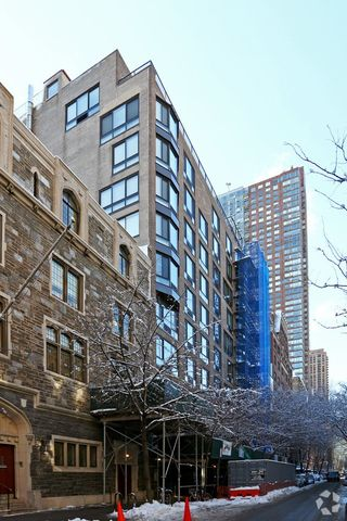 Photo Of 46 52 W 68th St New York Ny 10023 Apartment For Rent