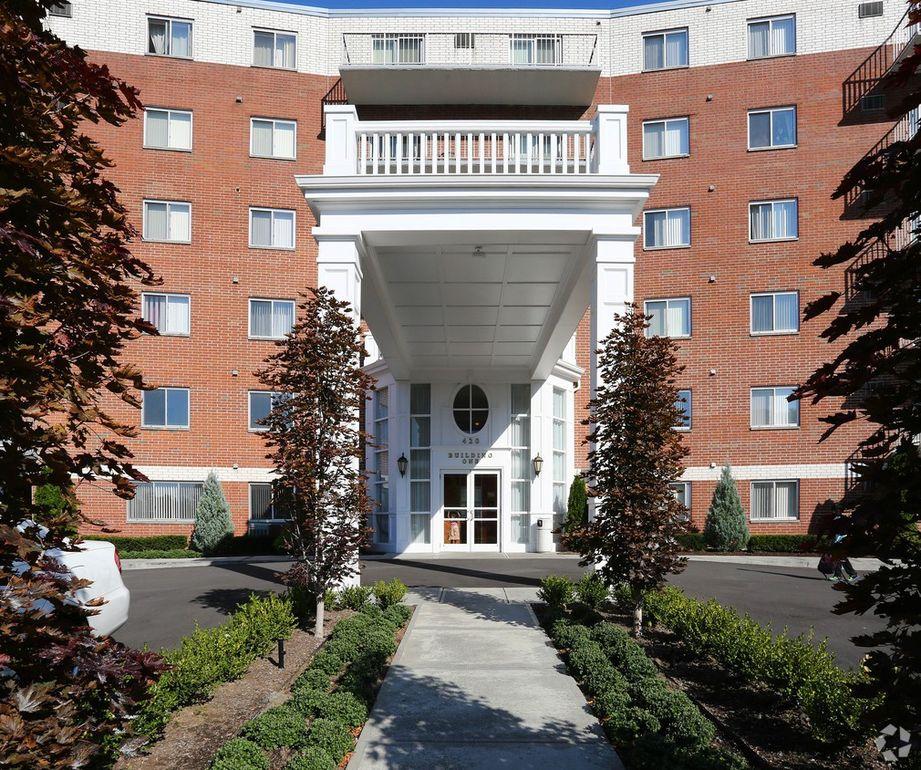 Sandcastle Apartments: 420 Sand Creek Rd, Albany, NY 12205