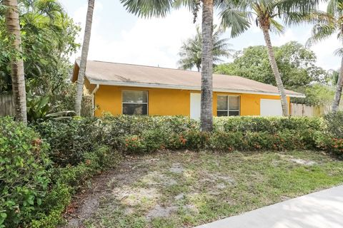 Photo of 6565 Athena Dr, Lake Worth, FL 33463