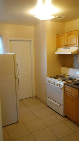 Photo of 805 Louisiana Blvd Se # 5, Albuquerque, NM 87108