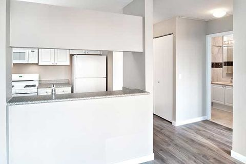 250 W 50th St, New York, NY 10019. Apartment For Rent