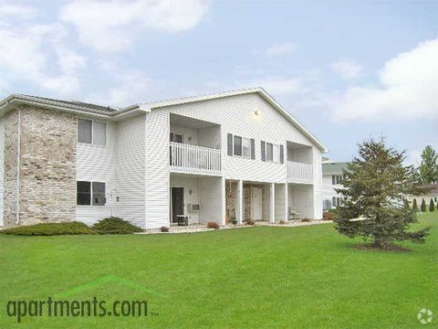 Photo of 209 Webster St, Beaver Dam, WI 53916