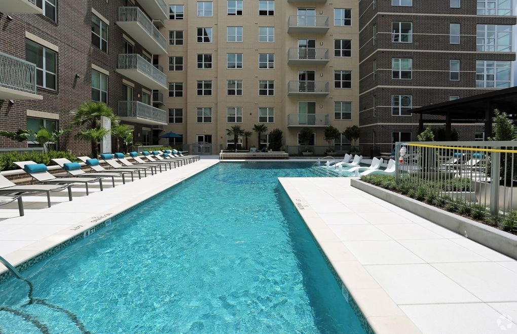 Town And Country Houston >> 10401 Town And Country Way Houston Tx 77024