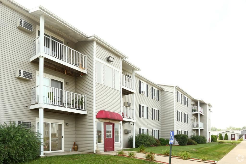 Woodbury Estates Apartments