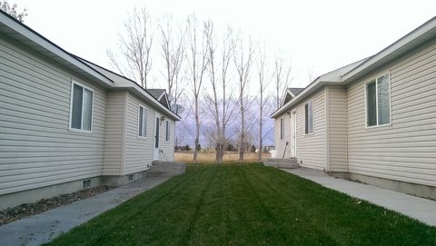 524 2nd Ave W, Gooding, ID 83330