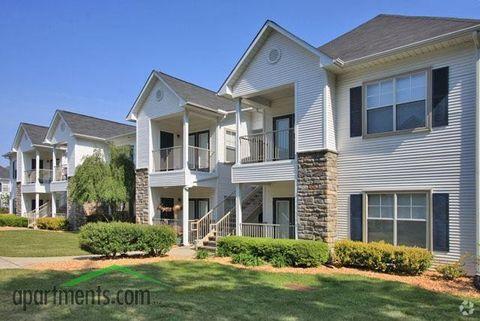 Photo of 6271 Carver Oaks Dr, Fayetteville, NC 28311