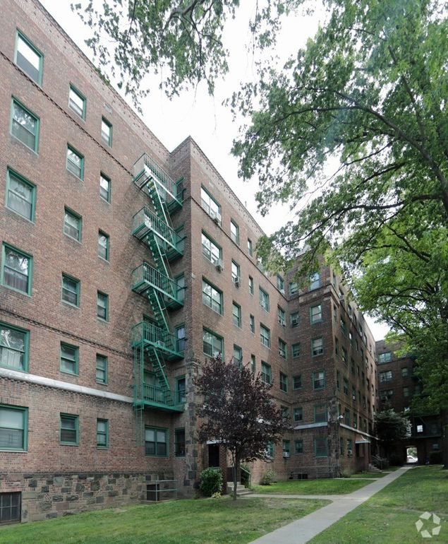 The Ravine Estate House: 95 117 Ravine Ave, Yonkers, NY 10701