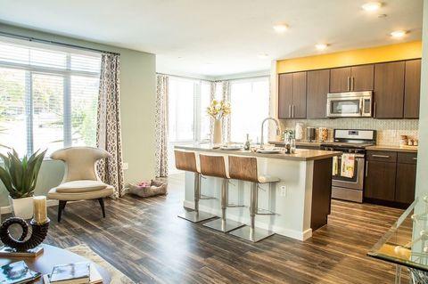 2930 Barnard St, San Diego, CA 92110. Apartment For Rent