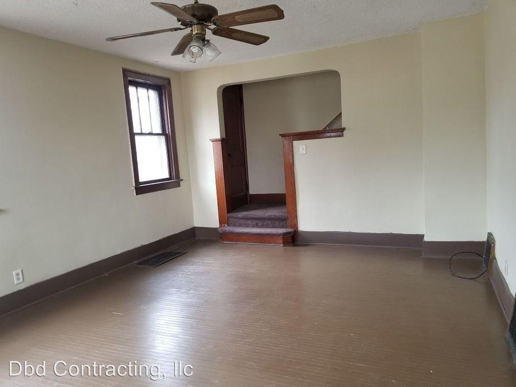 4728 Monroe St, Fort Wayne, IN 46806