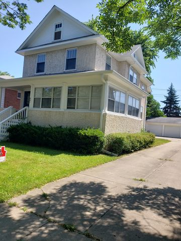 Photo of 881 Oakwood Ave Apt 2, Lake Forest, IL 60045
