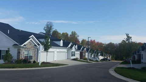 Photo of 88 Fox Hollow Ln, Brunswick, OH 44212