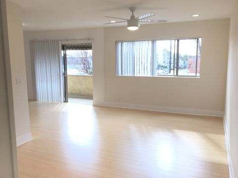 Photo of 39 20th Ave # 21, Los Angeles, CA 90291