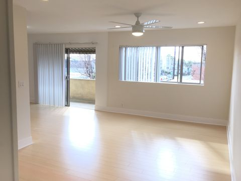 Photo of 39 20th Ave # 18, Los Angeles, CA 90291