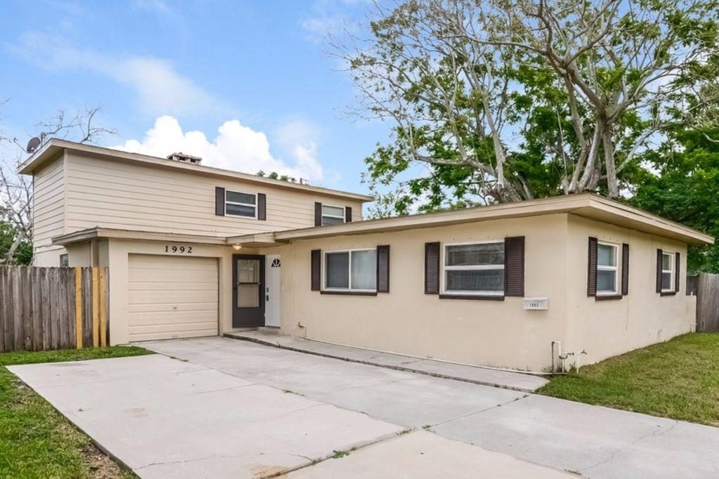 1992 75th Way N, Saint Petersburg, FL 33710