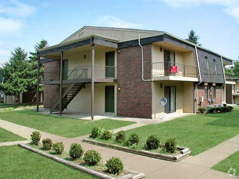 Photo of 939 S Riverside Dr, Clarksville, TN 37040