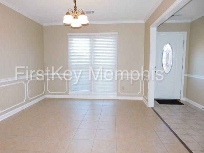 8861 Reflections Cv, Memphis, TN 38016