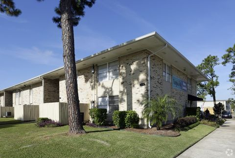 Photo of 1300 Tanglewood Dr, Westwego, LA 70094