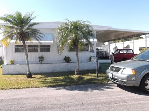 Photo of 14519 Plymouth Bnd, North Fort Myers, FL 33917
