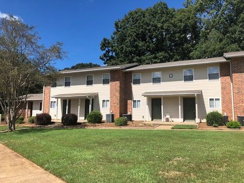 Photo of 431 Glenwood St, Belton, SC 29627