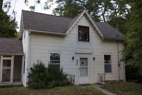 Photo of 452 E Michigan Ave, Grass Lake, MI 49240