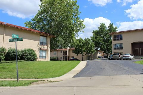 Heritage Estates, Maryland Heights, MO Apartments for Rent ...