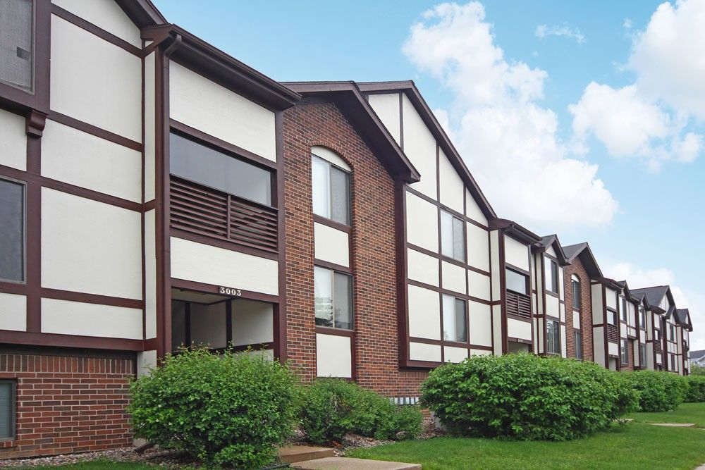 3001 Trappers Cove Trl, Lansing, MI 48910