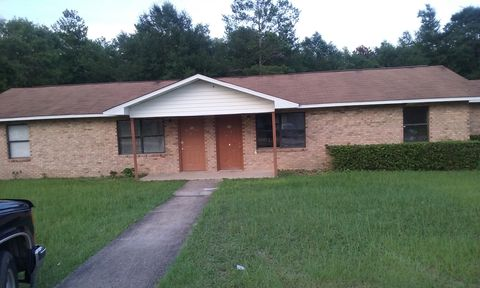 Photo of 108 Twin Trees Dr, Defuniak Springs, FL 32433