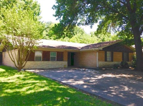 Photo of 1613 N 26th St, Corsicana, TX 75110