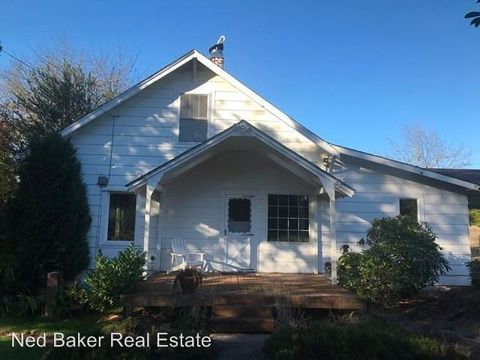 44109 W Mc Cully Mountain Rd, Lyons, OR 97358