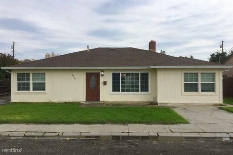 2215 Booth Ave, Marysville, CA 95901