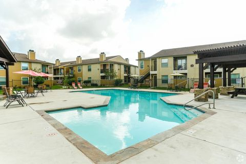 Photo of 2900 W Baker Rd, Baytown, TX 77521
