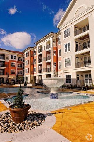 Photo of 710 Villagio Pl, Fayetteville, NC 28303