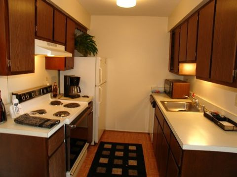 Photo of 31430 John R Rd, Madison Heights, MI 48071