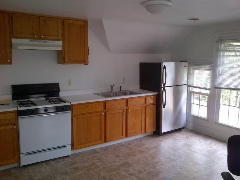 549 W 7th St, Erie, PA 16502