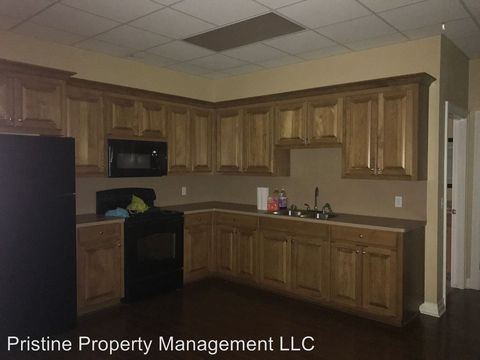 Photo of 301 W Commerce Ave, Gladewater, TX 75647