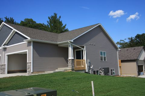 roland ia condos townhomes for rent
