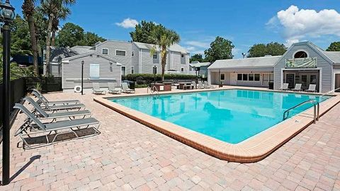 2701 Sw 13th St, Gainesville, FL 32608. Apartment For Rent