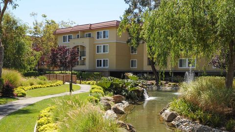 Photo of 1080 Carolan Ave, Burlingame, CA 94010