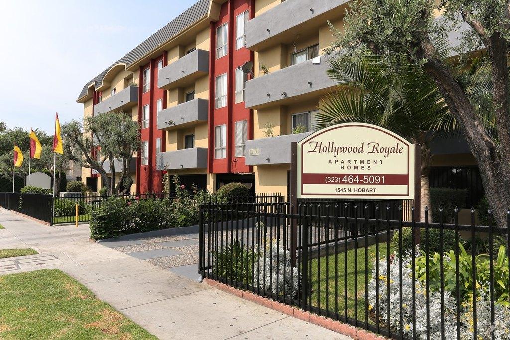 Hollywood Royale Apartments