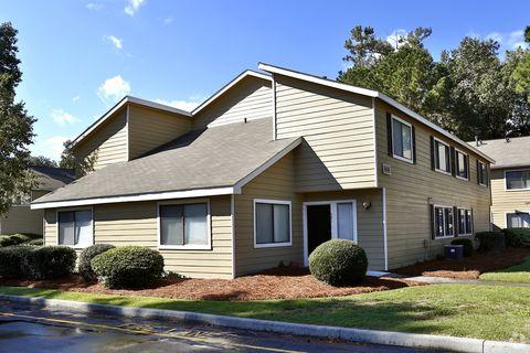 Photo of 301 Noble Oaks Dr, Savannah, GA 31406